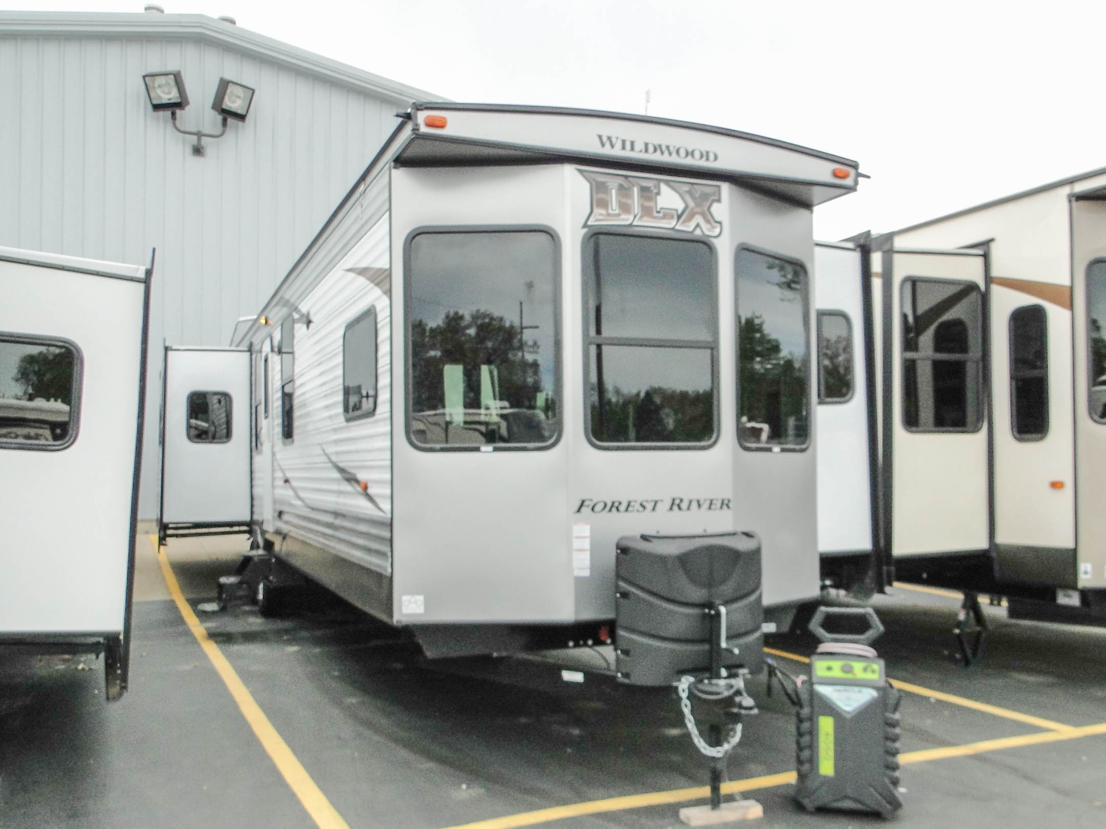 Forest River Wildwood Dlx ∣ Rv Wholesale Superstore