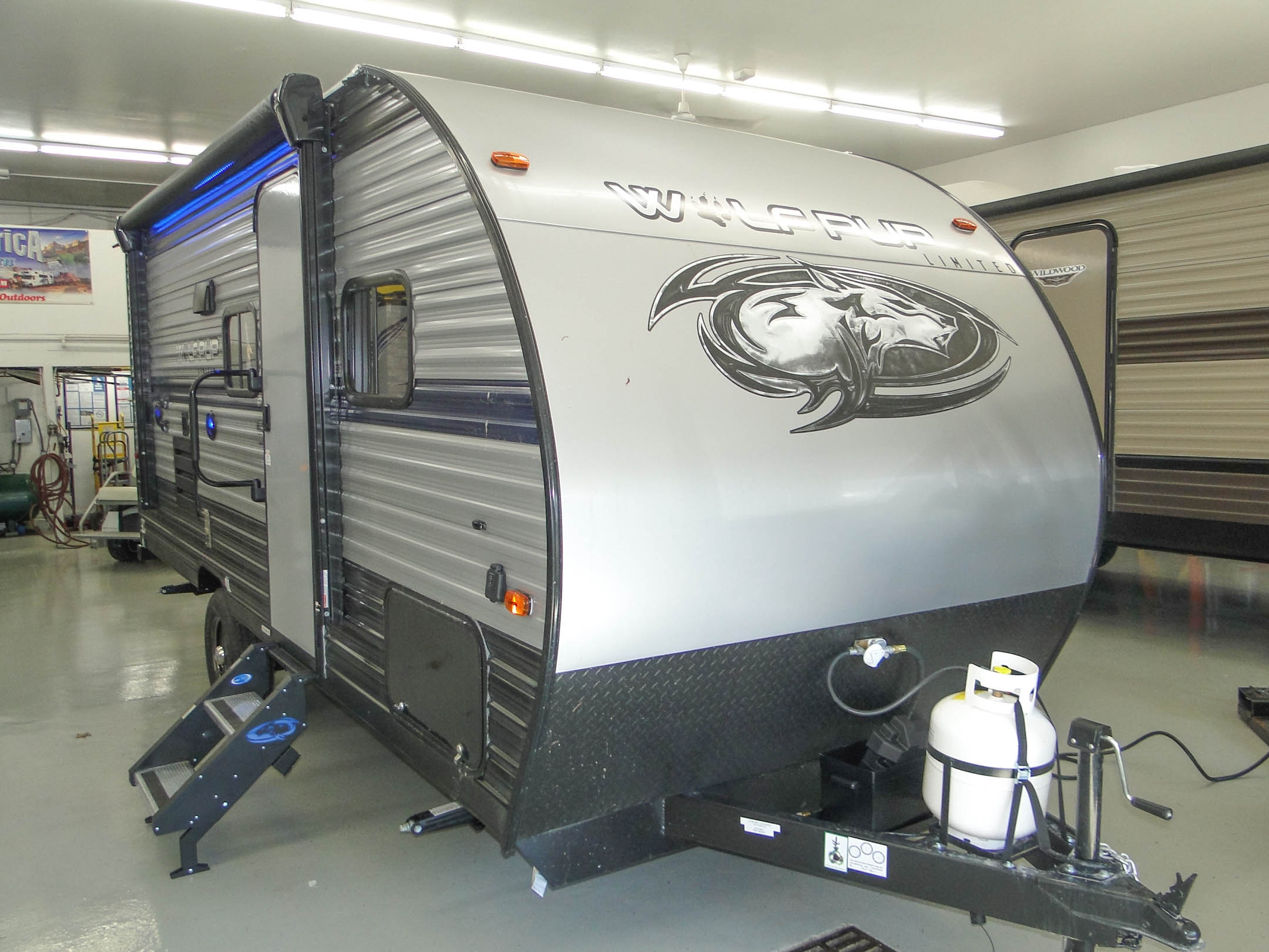 Forest River,  Wolf Pup