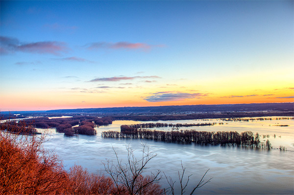 View of the Mississippi River from Pikes Peak State Park, Iowa