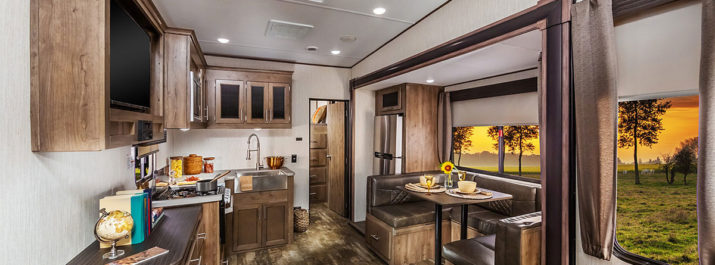 2020 Sabre RV SS150 Spotlight: An Extremely Lightweight 5th Wheel for Easy Travel